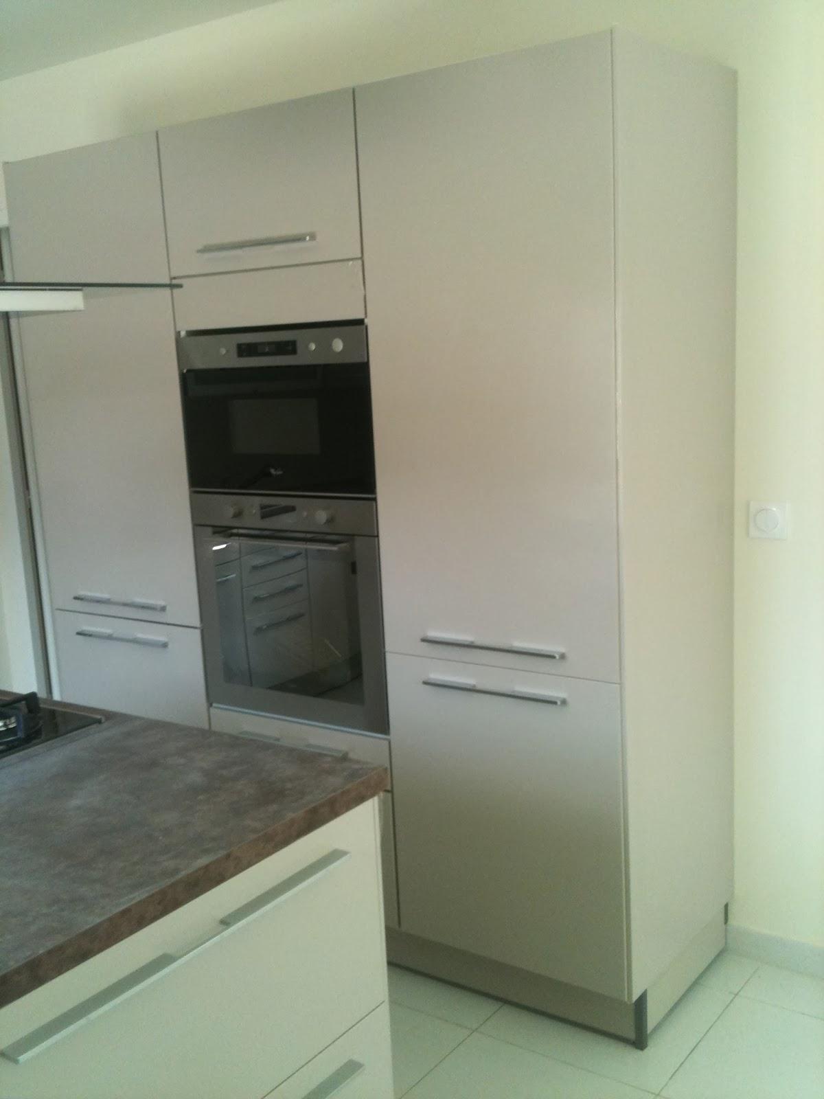 Lcch pose de cuisine avec hotte centrale et carrelages for Pose hotte cuisine