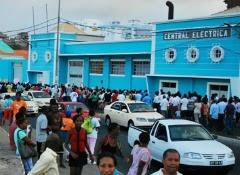 """Cabo Verde: Oposição acusa Governo de """"içar bandeira da perseguição""""..."""