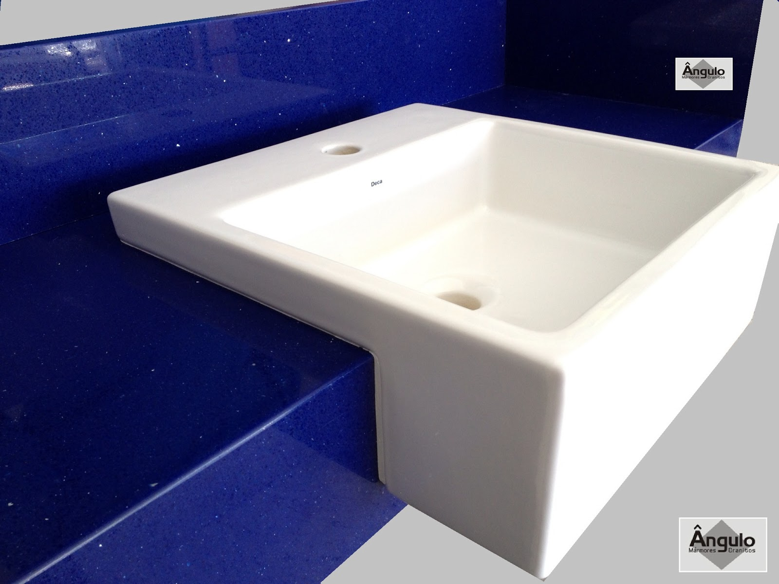 Ângulo Mármores e Granitos: Silestone Azul Stellar #070938 1600x1200 Bancada Banheiro Silestone