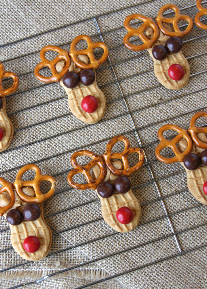 Super easy and festive reindeer cookies. Perfect for making with kids or for goodie plates!