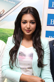 Actress Catherine Tresa Pictures in Skinny Jeans at BIG C Mobile Store Launch 0018.jpg