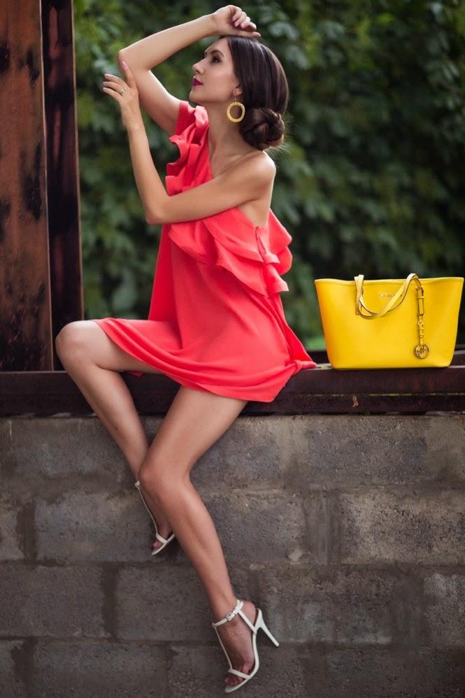 образ дня, уличный стиль, коктейльное платье, с чем сочетать ораньжевый, рашида хасанова фотограф бишкек