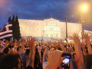 Πόλεμος μεταξύ Ελλάδας και υπόλοιπου κόσμου...