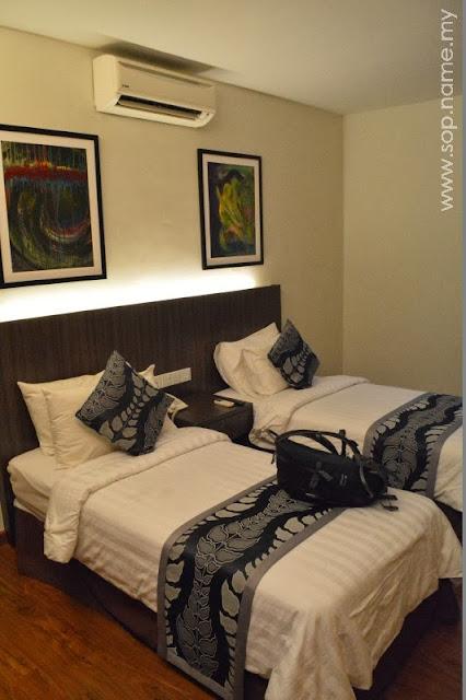 Berada di Hotel Holiday Villa, Kota Bharu