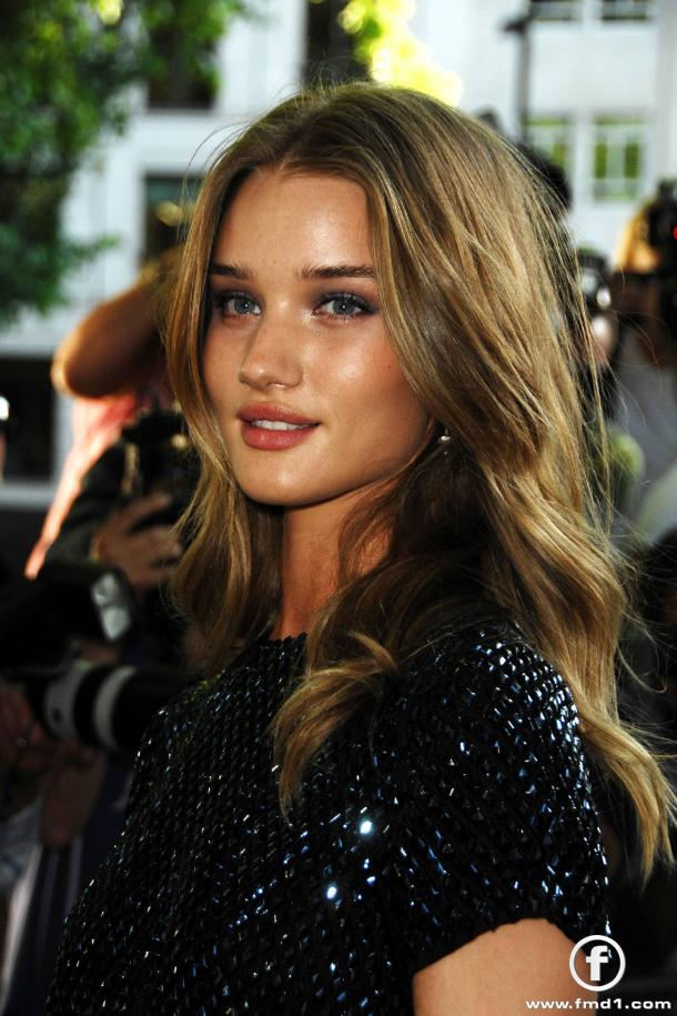 rosie huntington whiteley hair color. rosie huntington whiteley