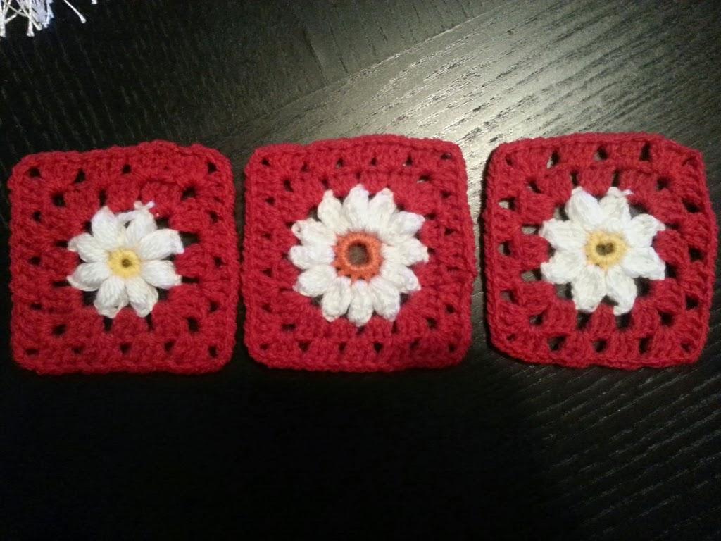 virka mormorsruta med blomma gratis mönster