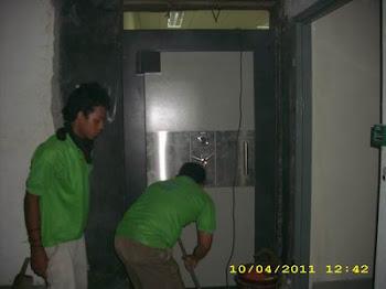 pemasangan pintu kluis di Cilengsi Bogor