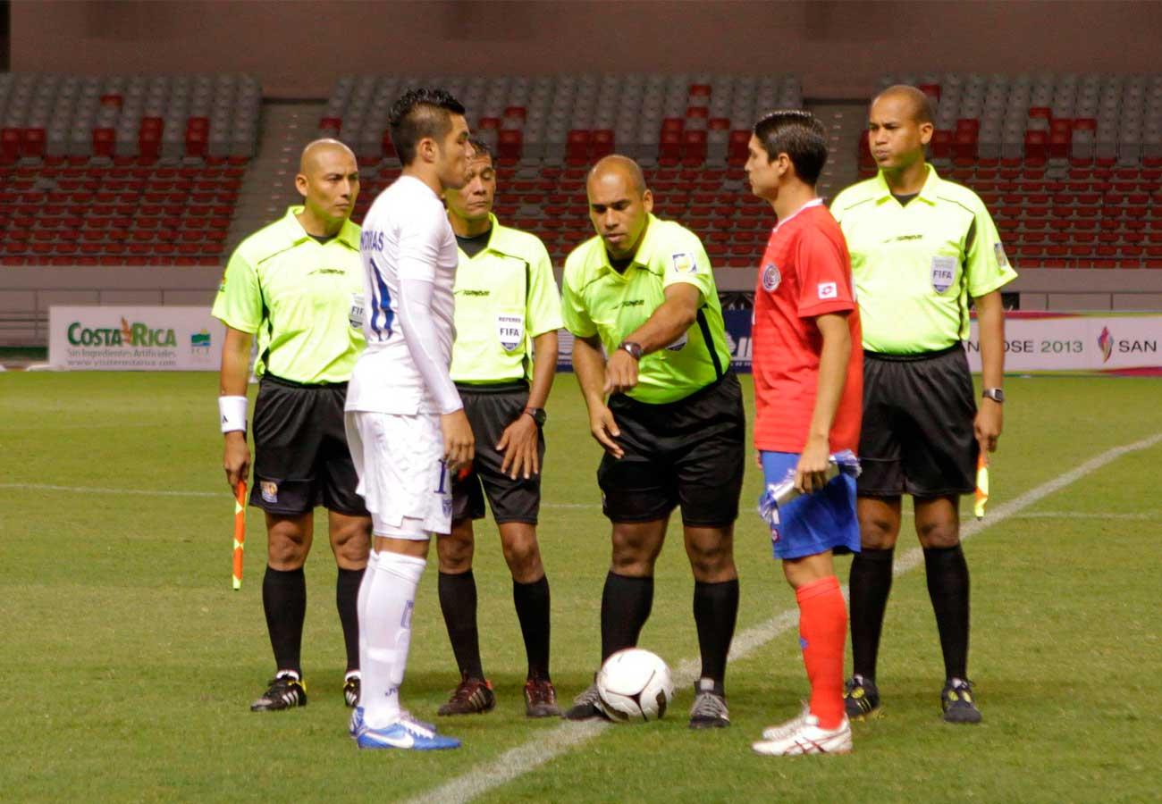Futbol reglas principales del futbol for 10 reglas del futbol de salon