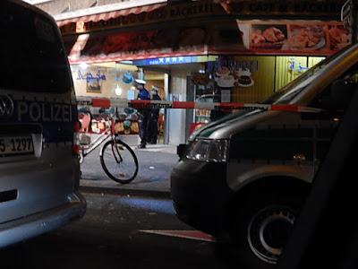 http://www.express.de/duesseldorf/300-polizisten-grosse-blitz-razzia-im-duesseldorfer--maghreb-viertel--23416872