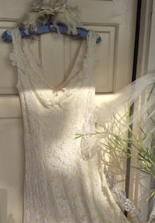 https://www.etsy.com/listing/238226591/boho-lace-ivory-vintage-applique-wedding?ref=shop_home_active_8