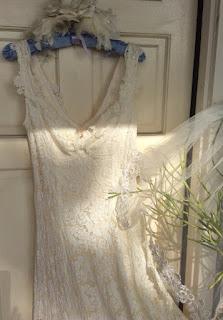 https://www.etsy.com/listing/238226591/boho-lace-ivory-vintage-applique-wedding?ref=shop_home_active_8