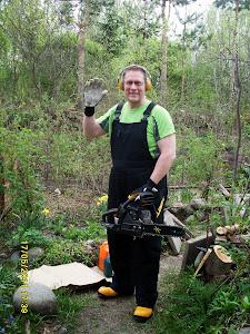 Talonmies avuksenne puutarhan raivuuseen Talonmies- ja puutarhapalvelu Tampere