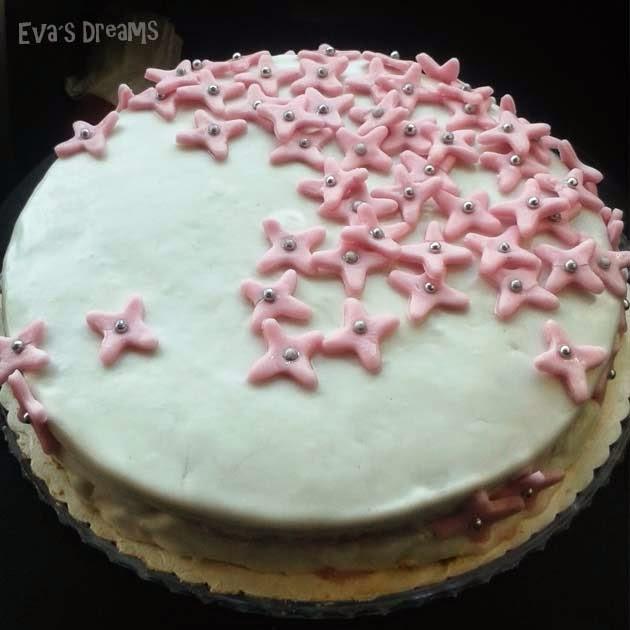 Backe, backe Kuchen - Meine erste Fondant Torte (Himbeer/Quark)