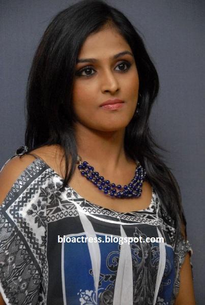 Ramya Nambeesan South Indian Sexy Star Hot Profile And
