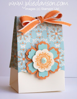 http://juliedavison.blogspot.com/2012/02/fancy-favor-double-up-box-blossom-punch.html