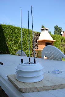 arrière plan : http://nobru54.blogspot.fr/2012/08/nouveau-barbecue-692-kg-de-beton-et.html