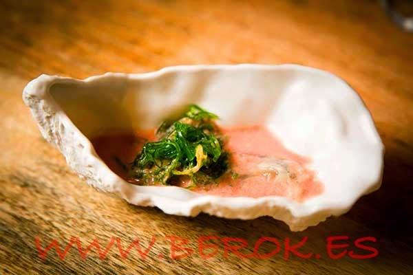 Ceviche de ostras con ají con algas