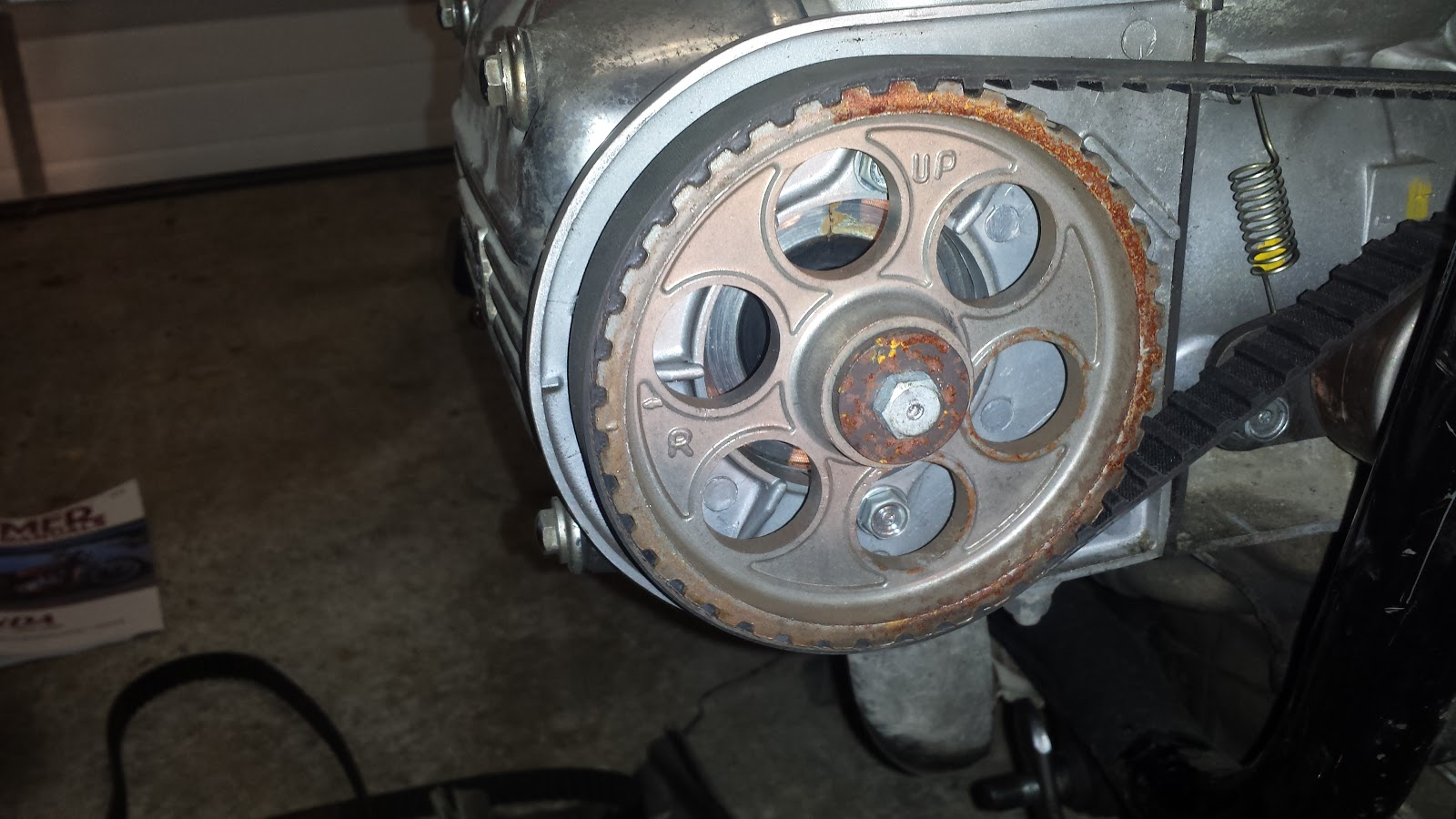 Motorcycling The Last Frontier Gl1000 Project Part 2 Timing Belts Belt Crankshaft Pulley Two Stacked Gears In Center Of Engine Until Alignment Marks On Left Hand And Right Pulleys Line Up