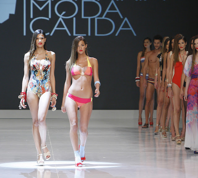 V Pasarela Gran Canaria Moda Cálida. Junio 2012. Domingo Ayala Handmade para Gemma Summertime
