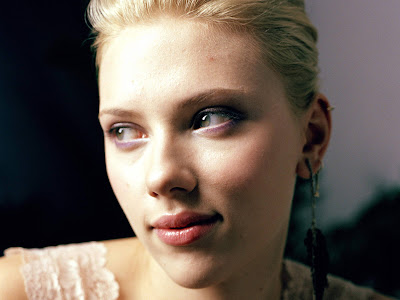 Scarlett Johansson HD Wallpaper red lips