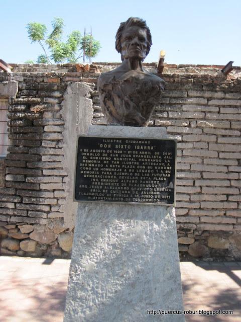 Busto de Don Sixto Ibarra - Artesano