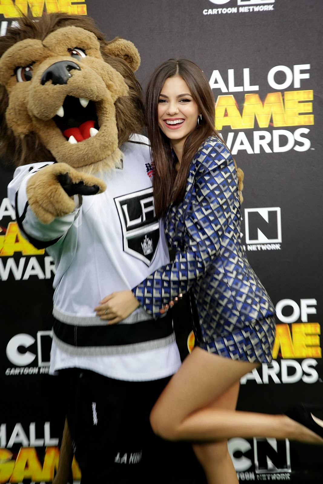 Victoria Justice leggy wearing a shorts at the 4th Annual Hall of Game Awards in Santa Monica