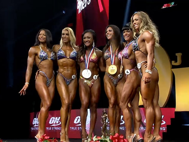 Pódio da categoria Fitness Olympia 2015 - Foto: Reprodução