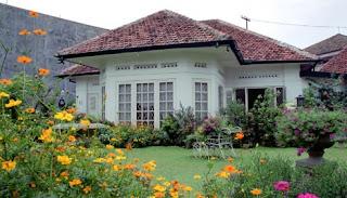 harga rumah dengan taman yang indah