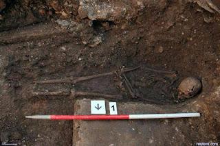 Makam-Raja-Inggris-Richard-III_2