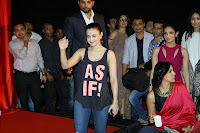 Shah Rukh Khan launches the trailer of 'Ekkees Toppon Ki Salaami'