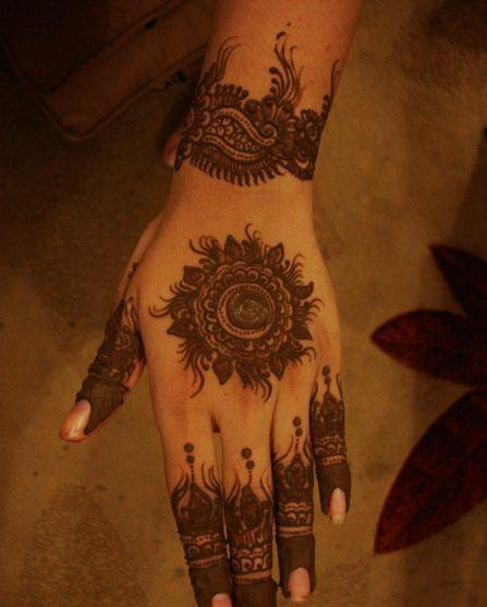 Mehndi Henna Designs I : Mehndi style simple henna designs