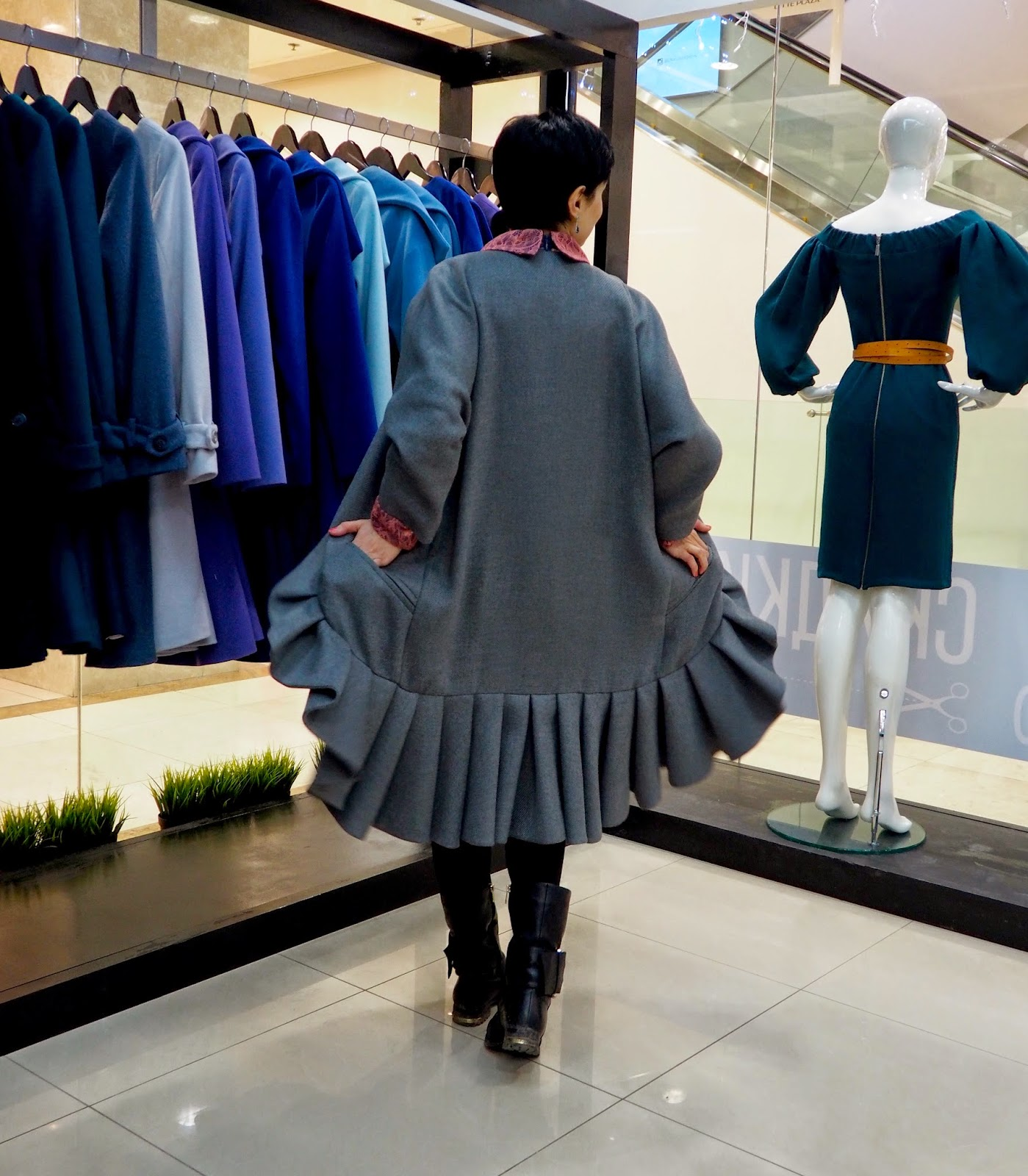 Анна Мелкумян пальто Dasha Gauser