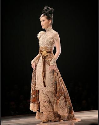 model baju batik rancangan ivan gunawan