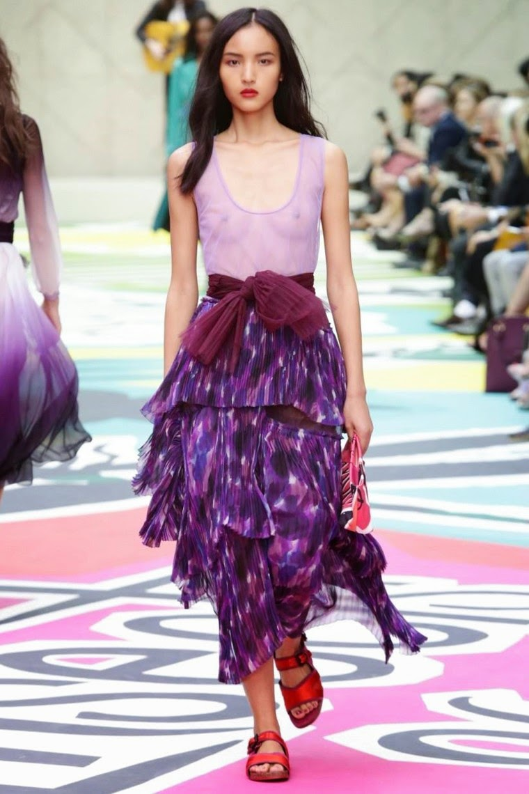 Burberry Prorsum spring summer 2015, Burberry Prorsum ss15, Burberry Prorsum, Burberry Prorsum ss15 lfw, Burberry Prorsum lfw, burberrys, burberry logo, prorsum, robe burberry, lfw, lwss15, lfw2014, fashion week, new york fashion week, du dessin aux podiums, dudessinauxpodiums, vintage look, dress to impress, dress for less, boho, unique vintage, alloy clothing, venus clothing, la moda, spring trends, tendance, tendance de mode, blog de mode, fashion blog,  blog mode, mode paris, paris mode, fashion news, designer, fashion designer, moda in pelle, ross dress for less, fashion magazines, fashion blogs, mode a toi, revista de moda, vintage, vintage definition, vintage retro, top fashion, suits online, blog de moda, blog moda, ropa, asos dresses, blogs de moda, dresses, tunique femme,  vetements femmes, fashion tops, womens fashions, vetement tendance, fashion dresses, ladies clothes, robes de soiree, robe bustier, robe sexy, sexy dress