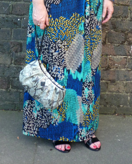 Tribal Print Maxi Dress & Snakeskin Clutch | Petite Silver Vixen