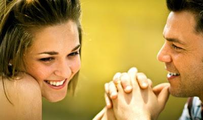 حين تعجب بك أو تحبك المرأة.... فحتما ستفعل كل هذه الأشياء أو بعضها,حب عاطفة عشق دلال البنت