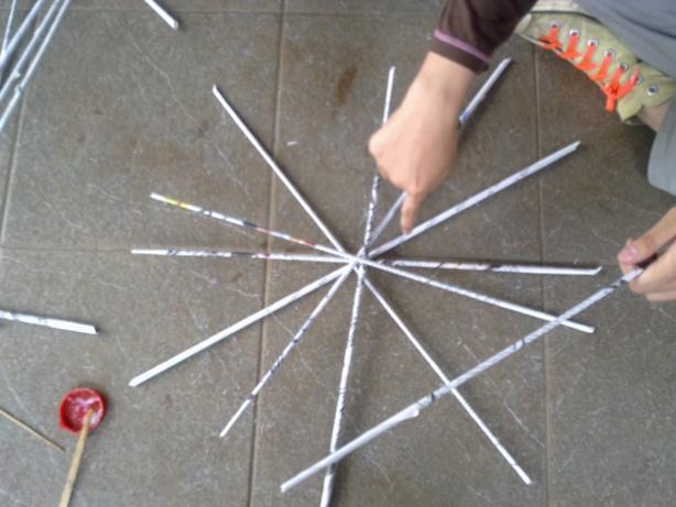 Pada kesempatan ini, teman-teman memilih membuat keranjang yang bulat ...