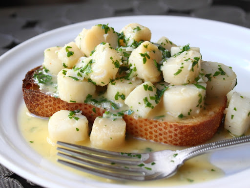 Bay Scallops with Garlic Parsley Butter Sauce – I'll Have the Nostalgia on Toast
