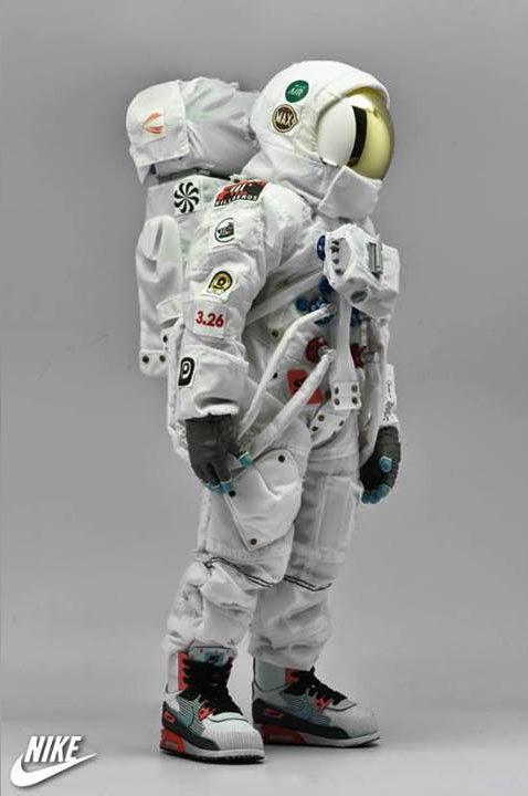 1/6 Dunkey Astronauts & Moon Walking Lunar Surfaces by ...