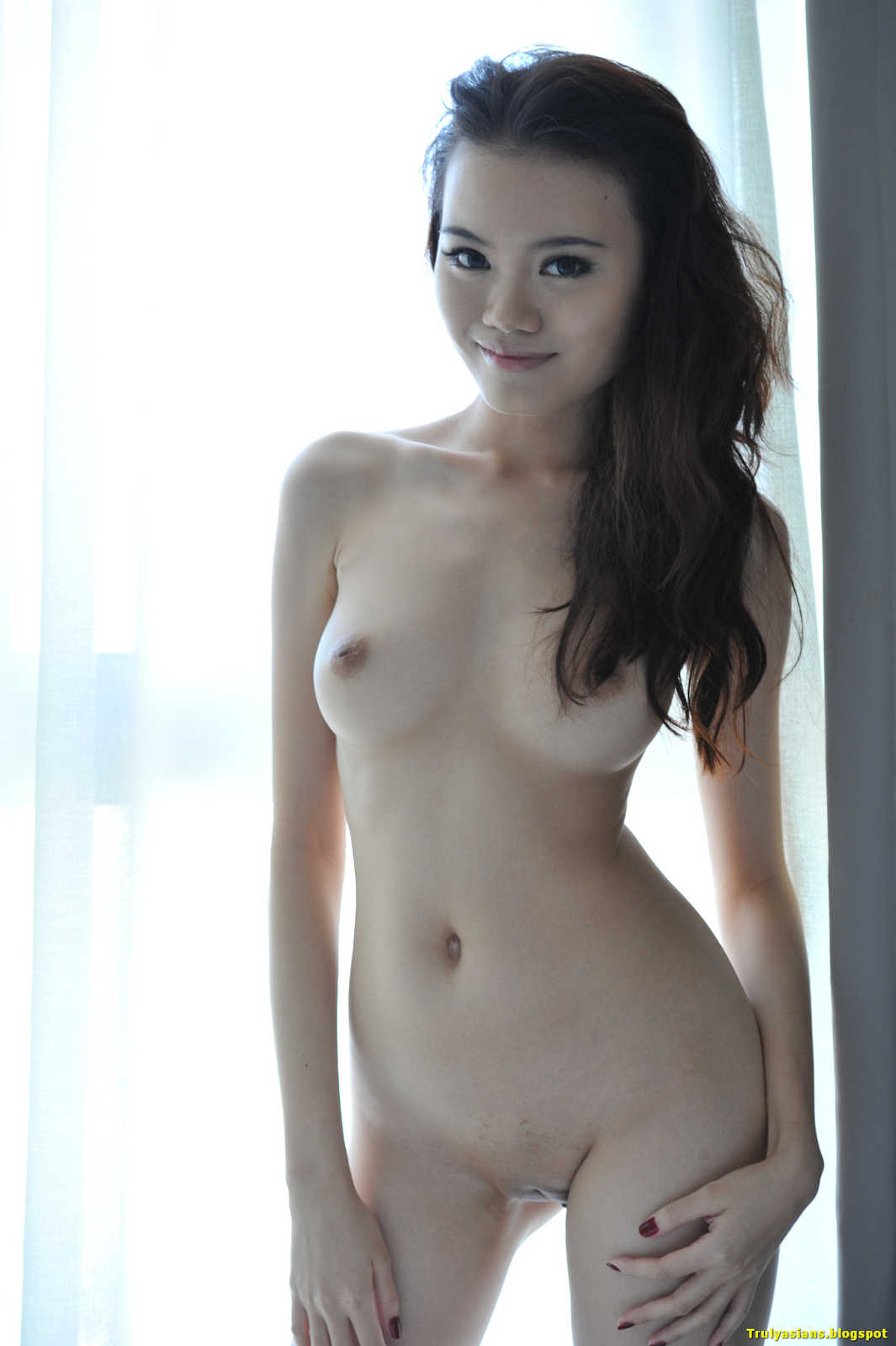 nude asian gilr singapore model michayla posing nude for