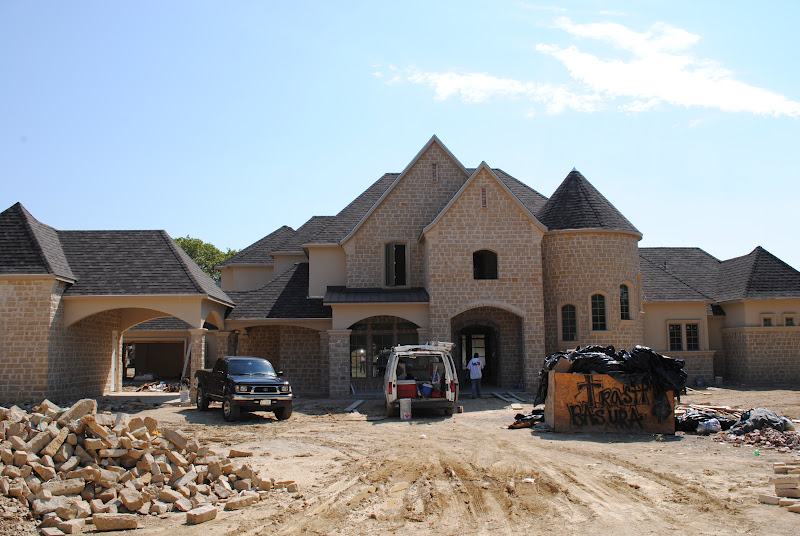 Trinity classic homes porte cochere for Classic home builders