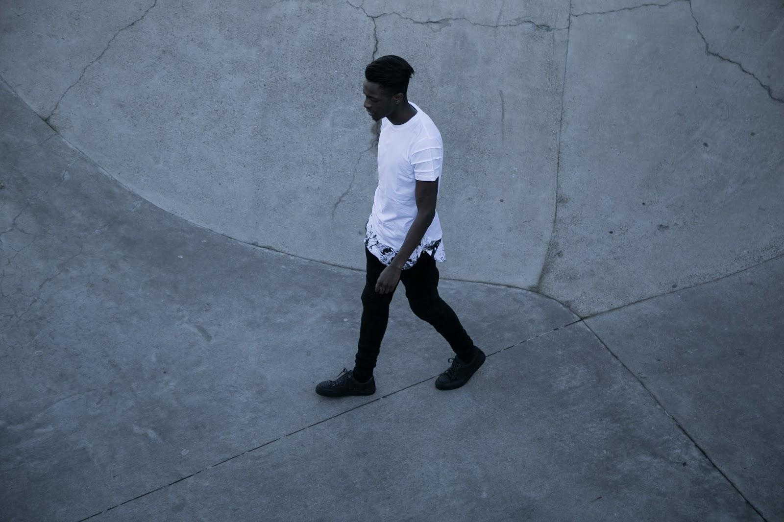 black and white marble tshirt lookbook urban flavours foh apparel biker jogger etq sneakers freyrs sunglasses antwerp skateparc mensfashion blogger