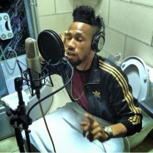 Phyno recording in toilet