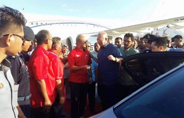 Mukhriz Berjabat Tangan, Sambut Ketibaan Najib di Langkawi