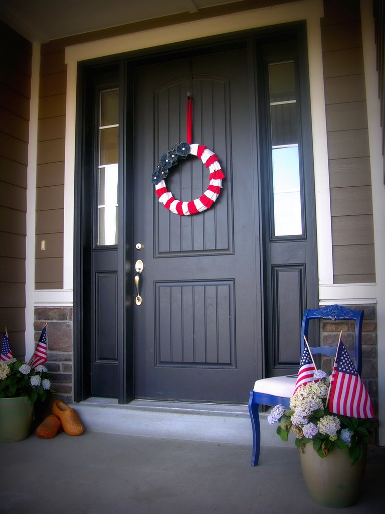 Americana Decor - Ruffle Wreath
