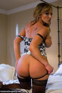 Casual Bottomless Girls - rs-NS_28253_nikki_sexx_022-707655.jpg
