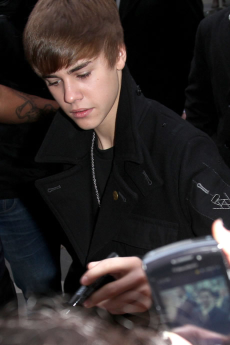 justin bieber new hair 2011 photoshoot. Justin Bieber#39;s New Haircut
