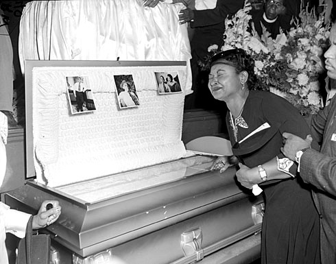 Left Eye Open Casket Pictures Weeps at his open casket.