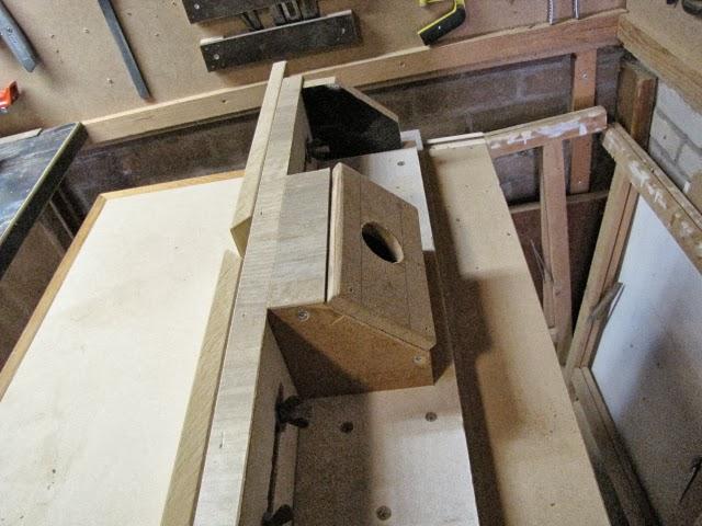 Entrada de aspiración de guía lateral de mesa fresadora, enredandonogaraxe.com