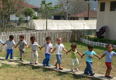 Kinder in Rio